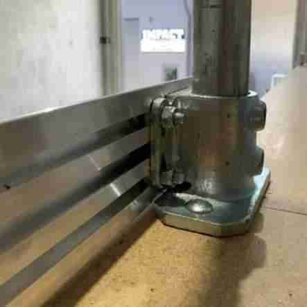 New extruded aluminium kick plate